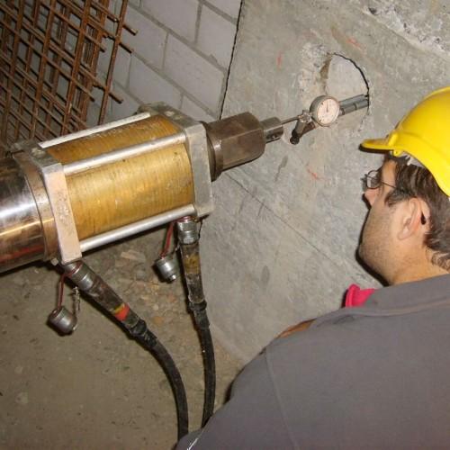Anker Spannprobe mit Vorrichtung zum Abheben von Ankern ohne Stabüberstand