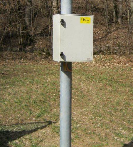Messtation mit Solarpanel und GPRS Modem.